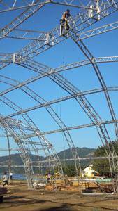 montagem da tenda dos autores da FLIP 2010