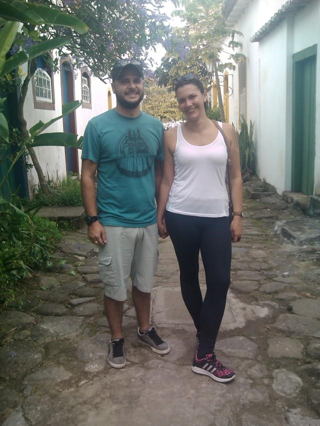 João e Bianca curtem romance no centro histórico